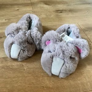 Toddler Girl Gray Soft Fuzzy Animal Slippers NWT